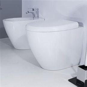 Sanitari Filo Muro In Ceramica Wc Bidet Design Moderno Con Sedile