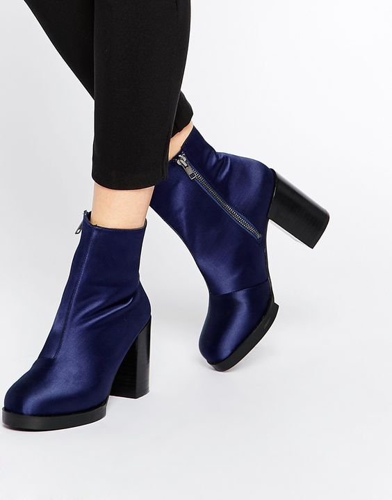 Fashionable Elegant Ankle Boots