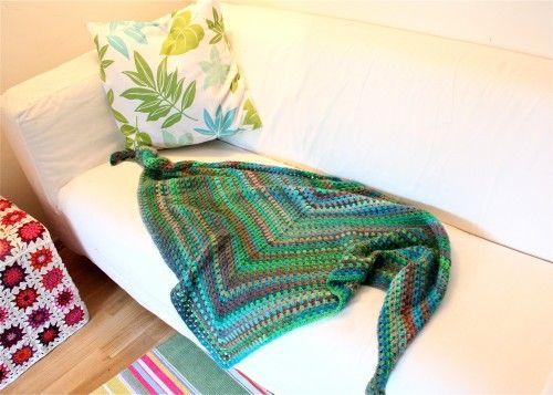 Tuch aus einem halben Grannysquare häkeln
