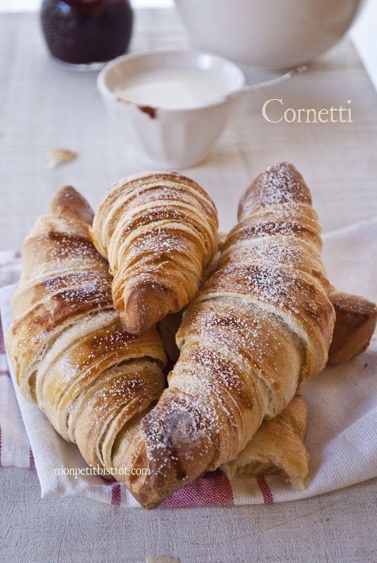Mon petit bistrot: Il cornetto sfogliato, all'italiana.