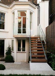 Escaleras exteriores buscar con google jardines for Escaleras para exteriores de casas