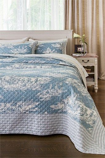 Buy Bedding Online at EziBuy | Bed linen includes sheet sets, duvet covers, blankets, quilts - Sapphire Fields Quilt