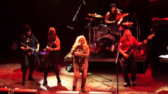 Cougrzz Rock  a cover of Foo Fighter's Everlong at House of Blues Anaheim