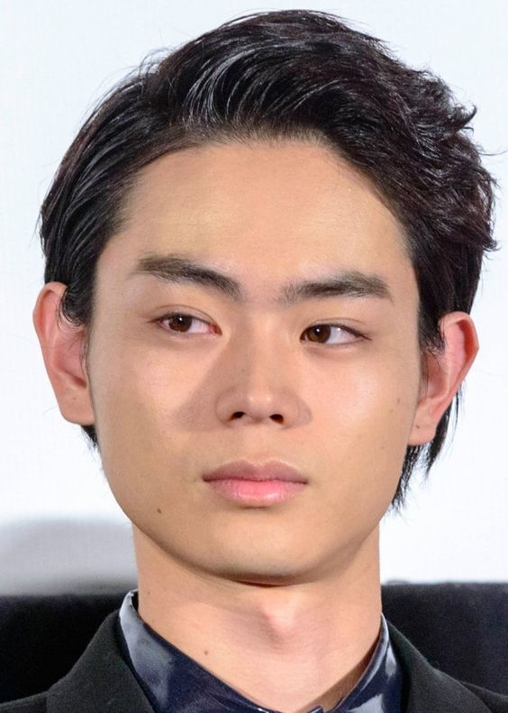短髪がかっこいい菅田将暉の最新画像