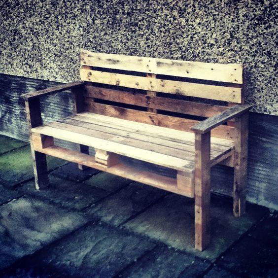 Pallet garden bench seat entirely handmade by myself u for Como hacer un bar de madera