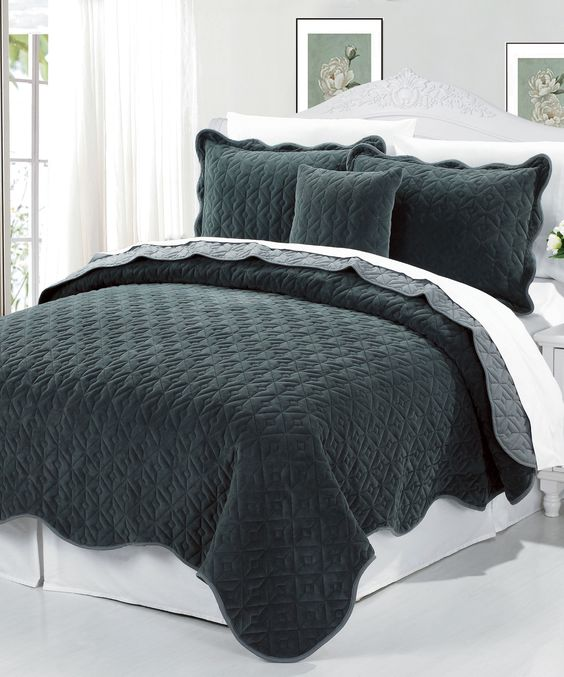 Square Diamond 4 Piece Bedspread Set