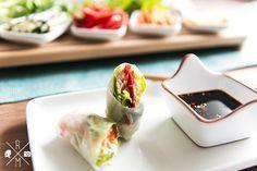 Vietnamesische Sommerrollen - Summer Rolls mit scharfem Chili Dip   relleomein.de #veggy #recipe #summerrolls