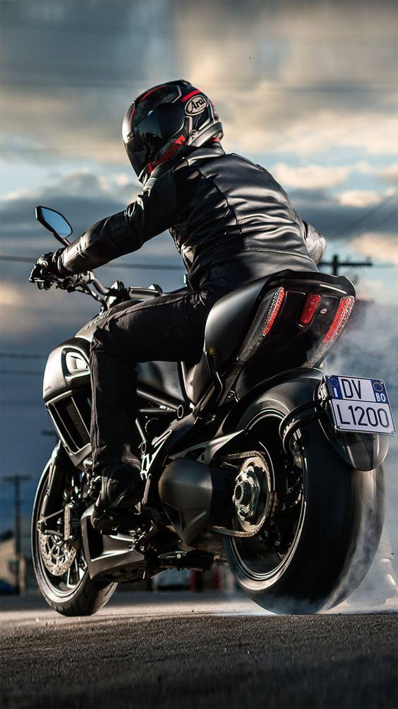 Ducati  Multistrada Screen Saver