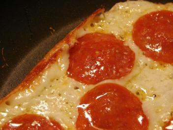 [pizza2.jpg]