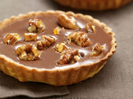 tartelettes chocolat caramel et noix de p can caram lis es. Black Bedroom Furniture Sets. Home Design Ideas