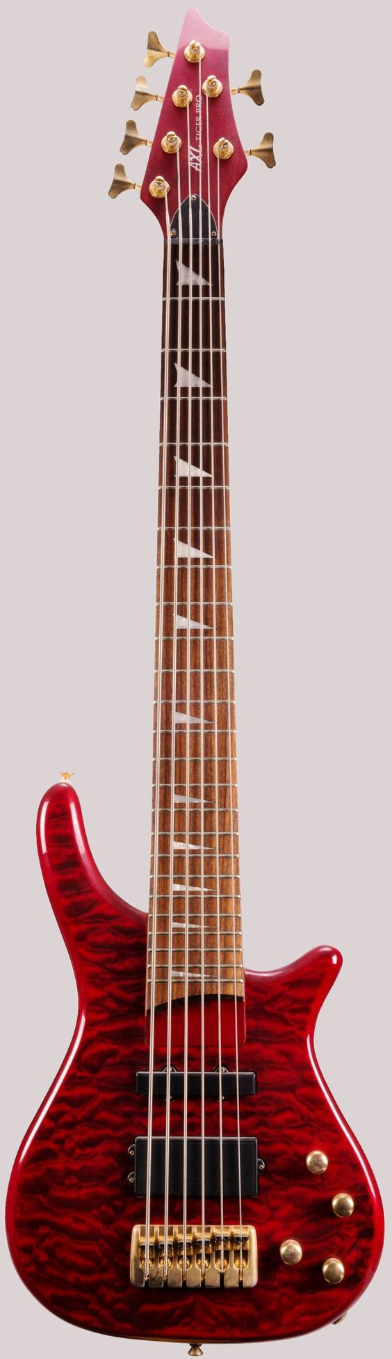 AXL tiger pro bass 6 at Ukulele Corner