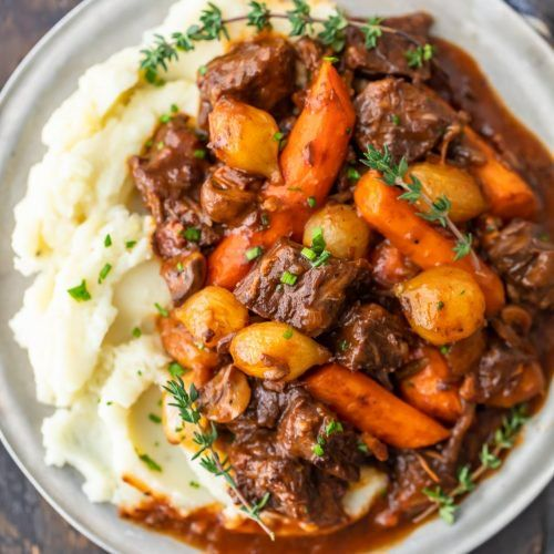 Beef Bourguignon Is A Delicious Beef Stew That S Perfect For Winter Meals Also Known As Beef Burgund Beef Bourguignon Beef Bourguignon Recipe Beef Stew Recipe