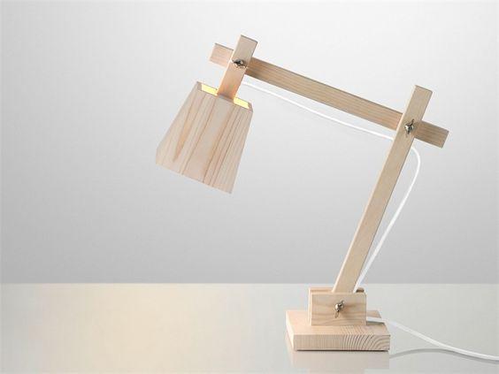 Candeeiro de mesa de madeira WOOD LAMP - MUUTO