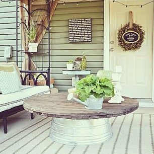 Today on the blog I shared how to make this metal tub coffee table for our outdoor patio.. Come check it out! Lizmarieblog.com >>#decor #home #style