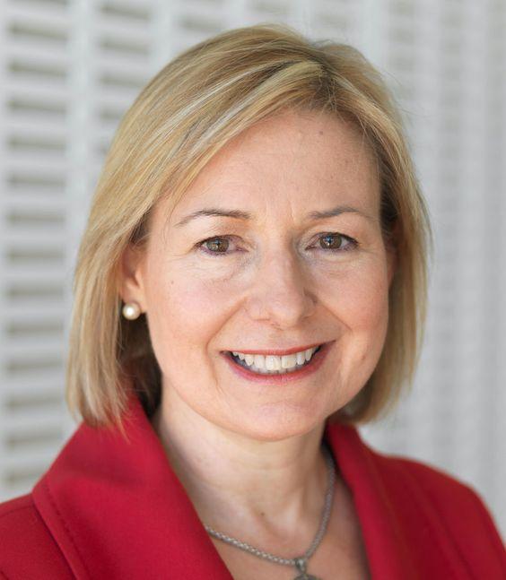 La ingeniera Rosalind Wright Picard (1962-) nació un 17 de mayo