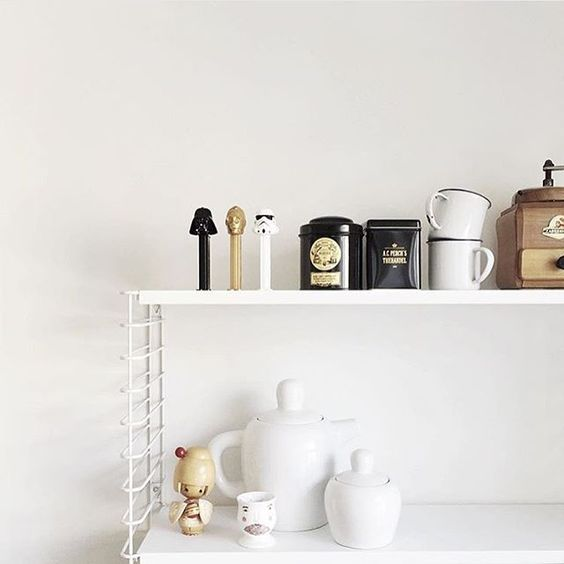 Oldie but goodie: BULKY teapot in @hannamoens kitchen #belgium #Muuto #muutodesign #scandinaviandesign #kitchenlife
