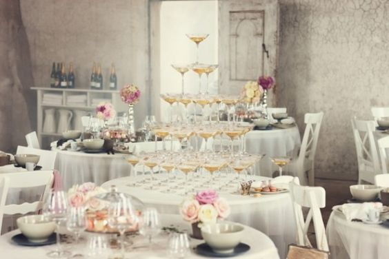 champagne-glasses-lo-bjulrulf-camille-styles-events.jpg (600×400)