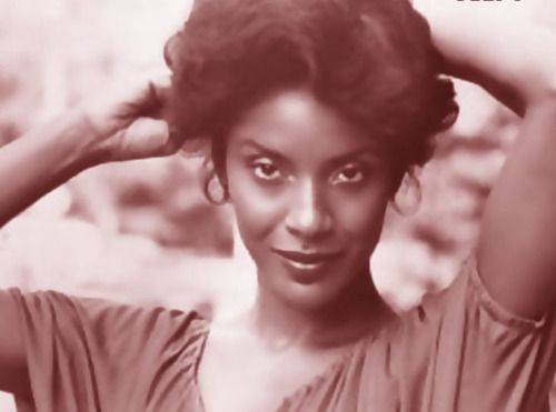 I remember growing up Phyilica  Rashad was my imaginary mother, I wanted to be graceful and elegant just like her. simply beautiful!