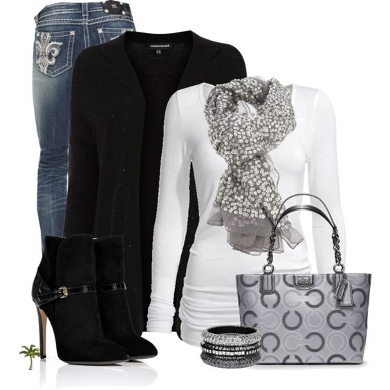 Chic Outfit: Casual Outfit, Coach Handbags, Coach Bags, Coach Purse, Handbags Coach, Winter Outfit, White Top