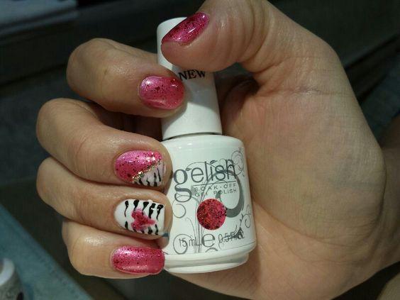 Zebra valentine nails