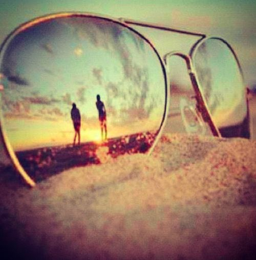 Sunglasses Reflected Beaches Sunglasses On The Beach ...