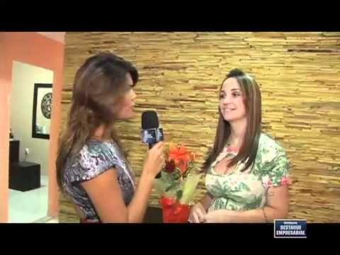 Assista esta dica sobre Destaque Empresarial - Maquiagem Definitiva - 12/05/2012 e muitas outras dicas de maquiagem no nosso vlog Dicas de Maquiagem.
