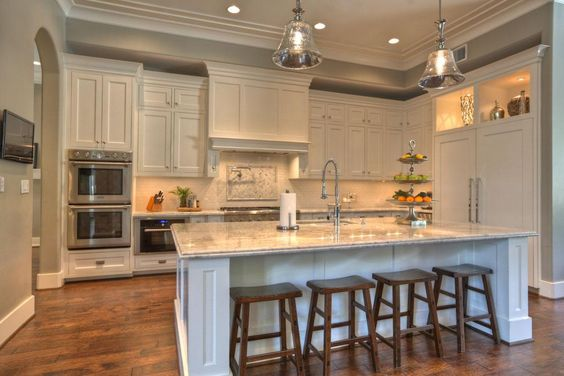Double ovens islands and white cabinets on pinterest for Very large kitchen island