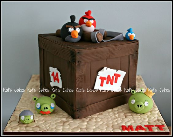 Angry Birds TNT cake | Mel requested an Angry birds cake for… | Flickr: