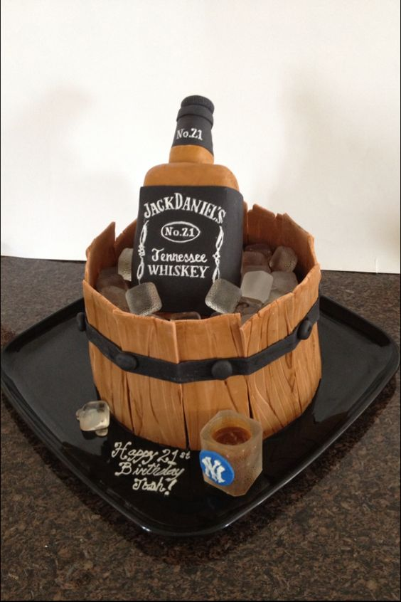 Jack Daniels cake | Cakes by Me | Pinterest | Jack o'connell, Daniel o ...