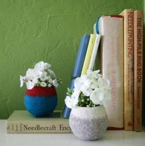 Papaver Vert  Patty Benson translates the felt medium into wonderful objects for the home, accessories and jewelry.