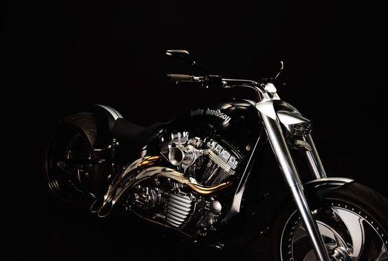 【取材】ソーシャルとWebを使いこなして世界に発信。ハーレーカスタムの『BAD LAND』 - 後編 - LAWRENCE(ロレンス) - Motorcycle x Cars + α = Your Life.