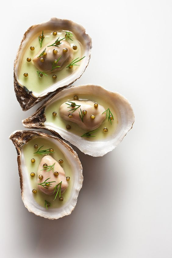 USA - New York City, Eleven Madison Park. Three Michelin stars and in the top ten of the San Pellegrino World's 50 Best Restaurants list. (Oyster Vichyssoise).:
