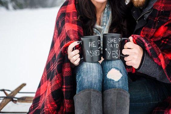 8 Amazing Winter Engagement Photo Ideas | Fizara DIY Photo Albums
