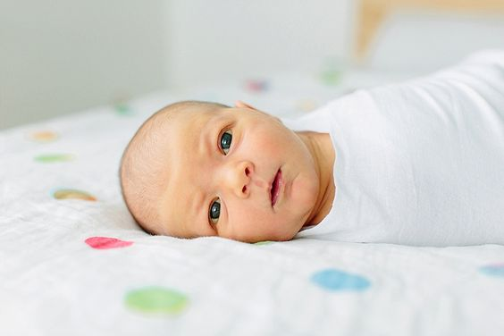 Entspannte Neugeborenenfotos im zu Hause!  #neugeborene #neugeborenenfotografin #heidelberg #alinelangefotografie #entspannt #natürlich #lifestyle