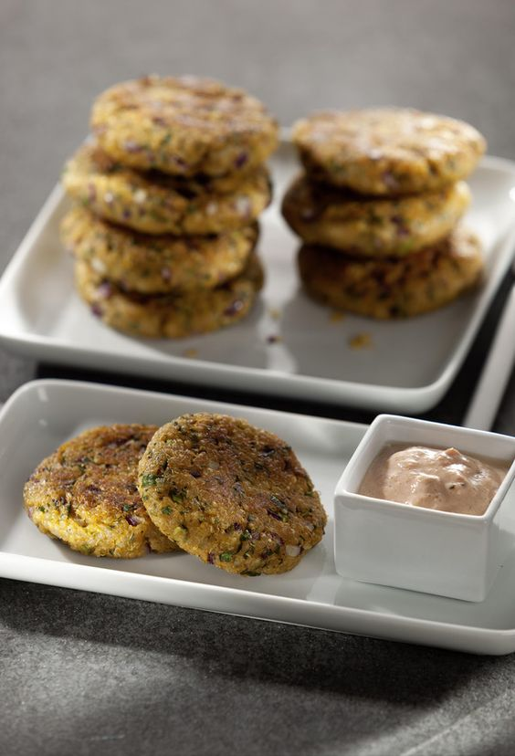 Rezept aus VEGAN FOR FIT: Quinoa-Buletten-amicella