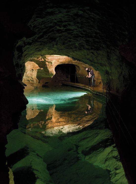 jenolan cave-Australia  visit us @ http://travel-buff.com/