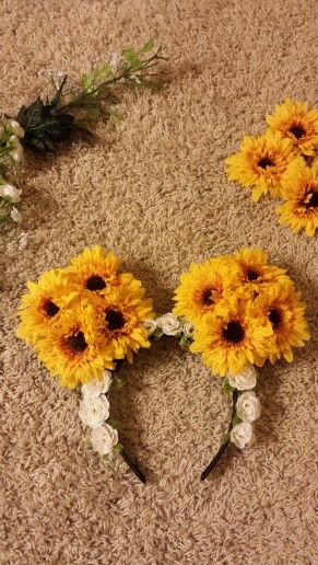 Just made my sunflower minnie mouse ears!^_^ so happy with them!:) can't wait to wear them to Disney Land!!! Diy, creativity, fun!