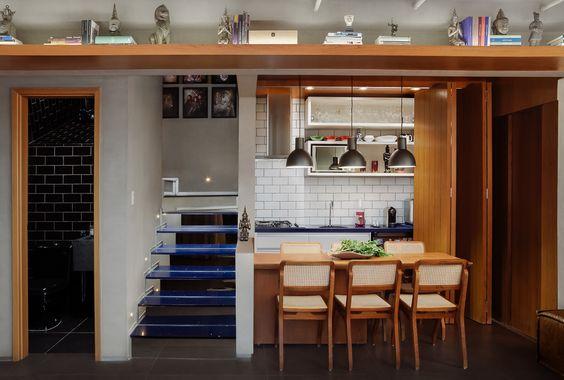 Duplex Por Leão Arrais Arquitetura foto: Claudio Cologni Creative Studio #livingroom   #wood #forniture #interiordesign #arquitetura #ambiente #decoracao #decor  #ccofotos #fotografiadearquitetura #duplex #apartamento #wood #architecture #homedecor #fotografiadeinteriores