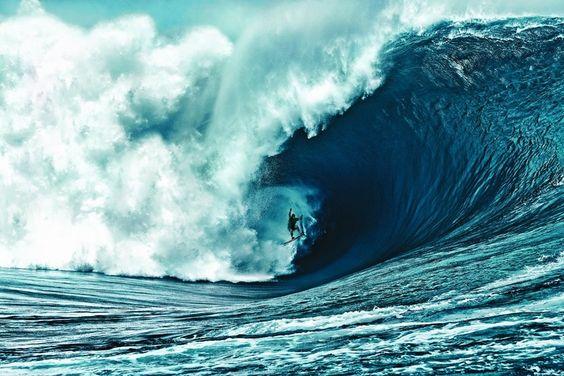 The challenge of surf photography © Brian Bielmann