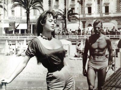 Mythe, sex-symbol des années 1950 et 1960, elle fut une star mondiale.  Egérie et muse des plus grands artistes de l'époque.
