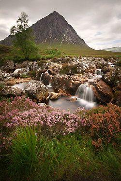 earth-song:    Stob Dearg, Scotland byDamian Kane