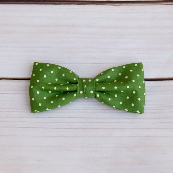 Mens Bow tie Fern Green Spotted Polka dot Pre tied Bow tie Wedding Men Women Teen Boy Baby Toddler Children Bow tie for Groom Groomsmen by GloiberryBowtie on Etsy https://www.etsy.com/uk/listing/487975303/mens-bow-tie-fern-green-spotted-polka