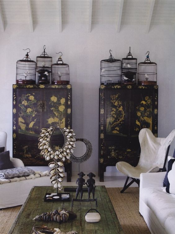 Chinois Cabinets