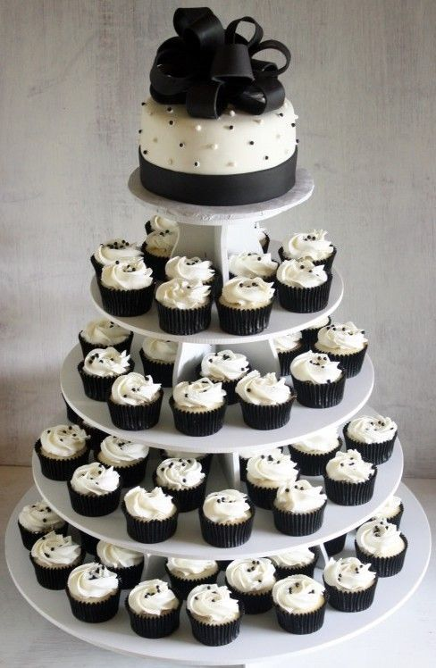 Cheap Wedding Ideas Change The Colors But Simple And Chic Borrow The Tower Cheapw Cheap Wedding Cakes Black And White Wedding Cake Black And White Cupcakes