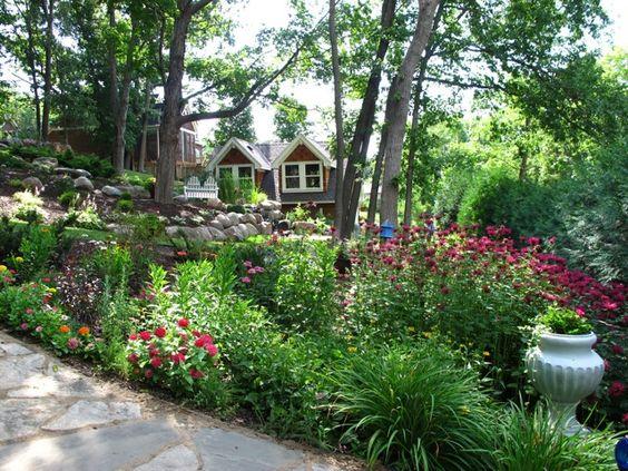 Fine Gardening blog 31513 Tricias garden in Minnesota slope