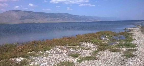 Байкал является озером тектонического происхождения в южной части Восточной Сибири, самым глубоким озером на Земле и огромным хранилищем пресной воды....