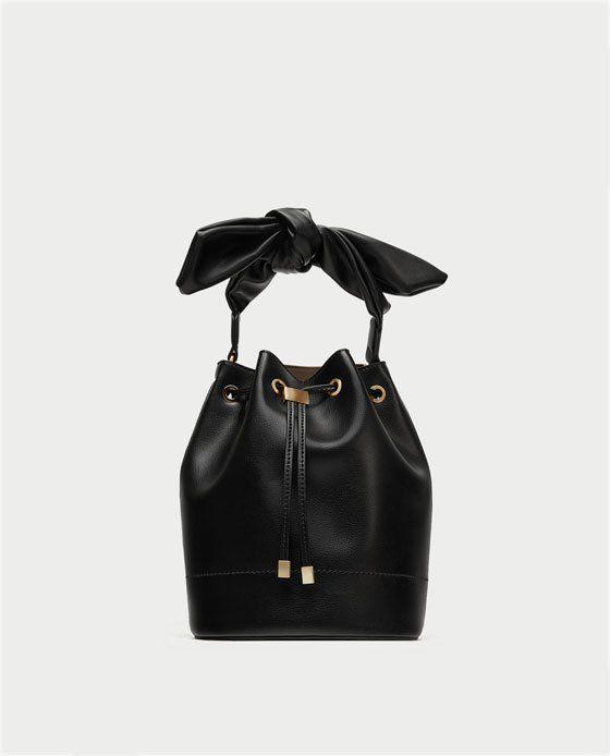 release date: 100% genuine official shop Une touche de blanc en hiver | Zara | Sac seau, Sac et Veste ...