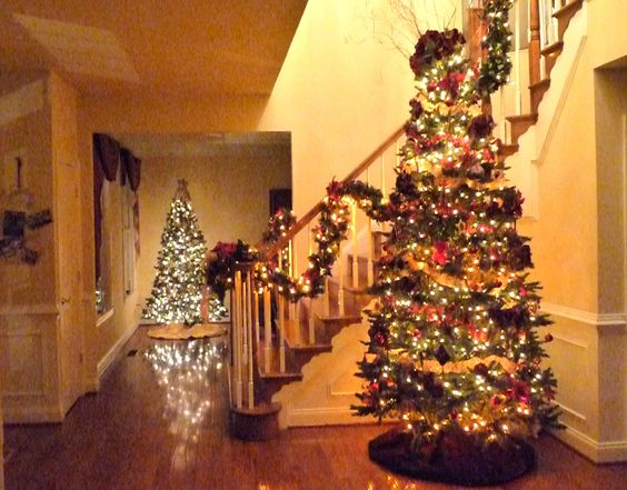 2 of my fave Xmas trees in my house-- 11 in total this year!