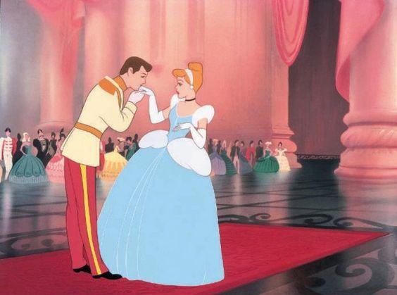 Cendrillon et son prince charmant, Disney, princesse, princess, mariage, wedding, robe , wedding dress, gown, alfred angelo