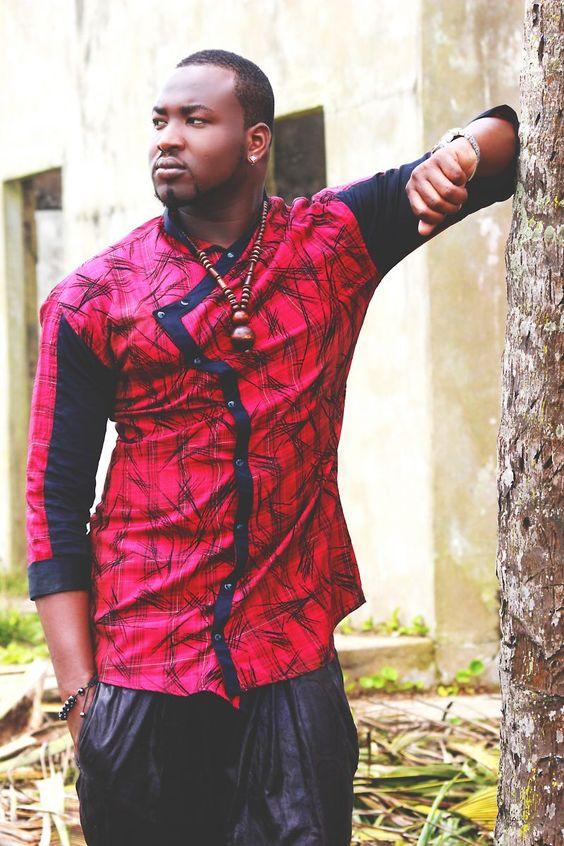 Homme Recherche, En Pagne, Style Vestimentaire, Hommes Africaine, Mode Africaine, Hommes Inspi, Petit Ami T,Shirt, Recherche Google, Classe